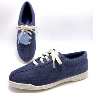 NEW Easy Spirit 9.5W Blue Oxford Sneakers